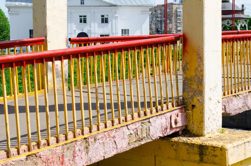 Most nad ma?? rzek? obrazy stock