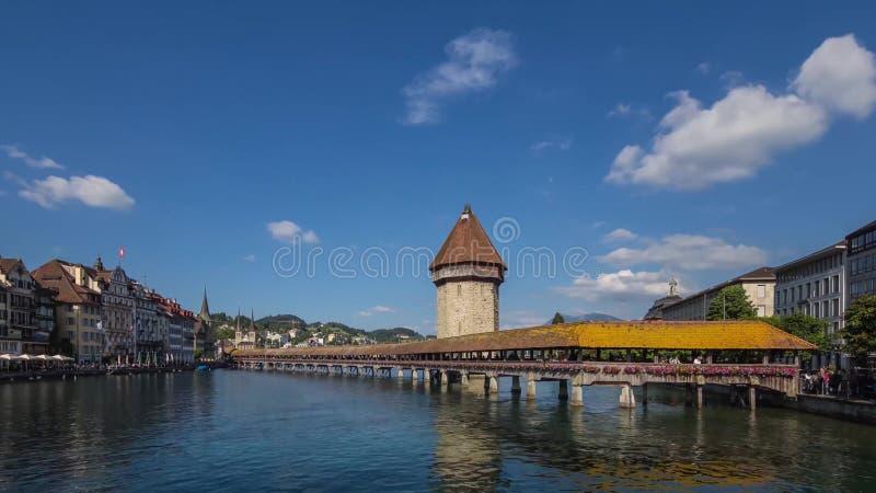 Most nad Reuss rzeką zdjęcie royalty free