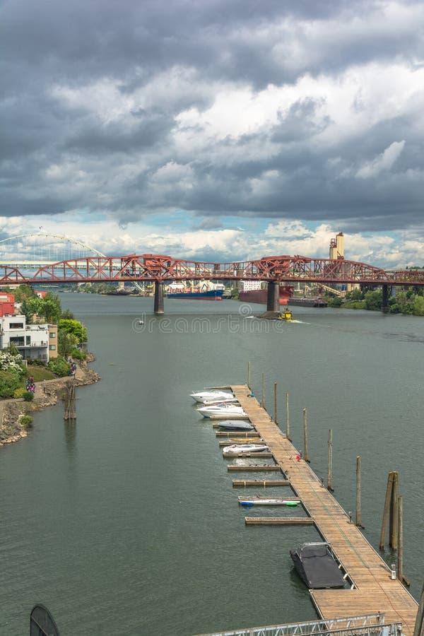 Most nad Willamette rzeką, Portland, Oregon zdjęcie royalty free