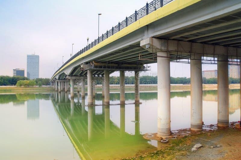 Most przez rzekę Ural fotografia royalty free