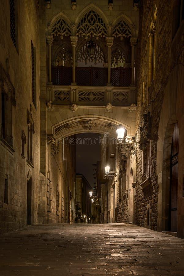 Most w Barri Gotic obraz royalty free
