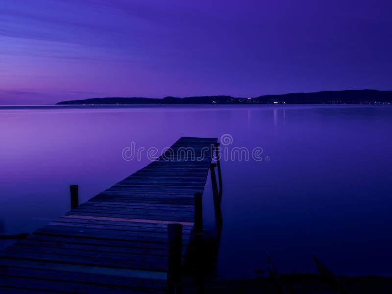 Most w wieczór świetle obrazy stock