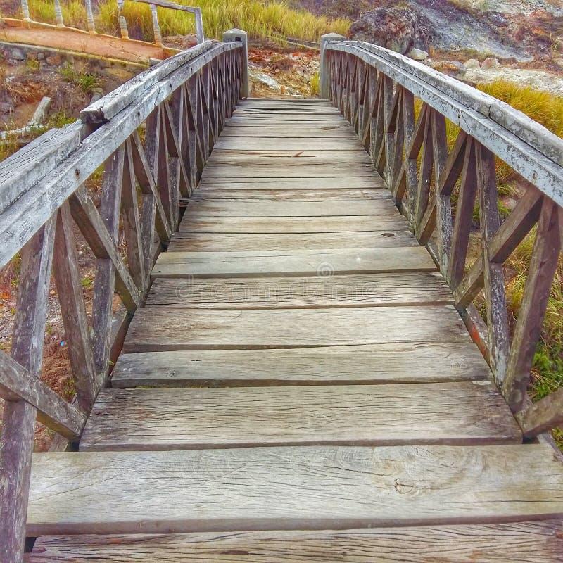 Most w wzgórze miłości fotografia stock