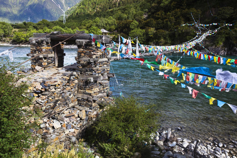mosta flaga modlitwy arkana Tibet zdjęcie royalty free