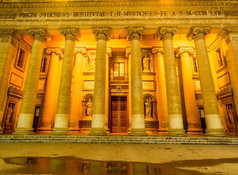 Mosta kupol på natten - Malta fotografering för bildbyråer