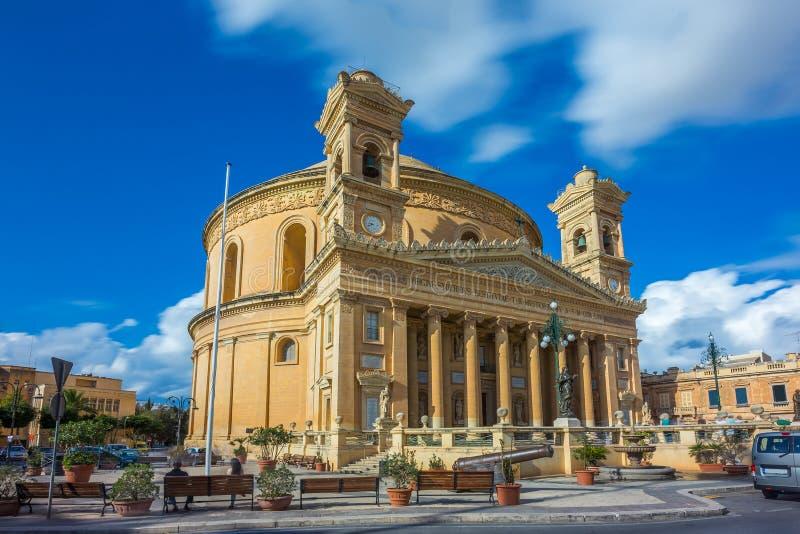 Mosta Malta - den Mosta kupolen på dagsljus arkivbild