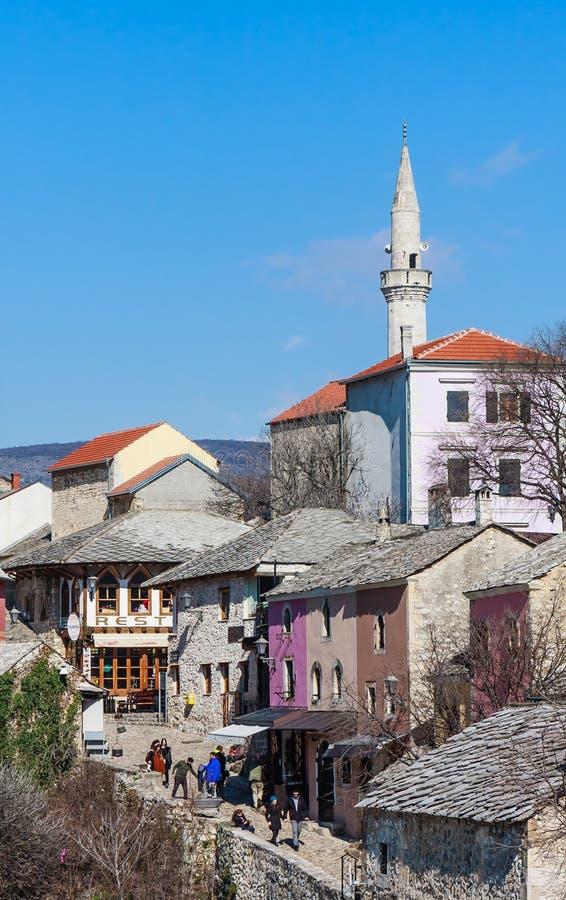 Mostar, Bósnia e Herzegovina Cidade velha vista do Stari mais, ou ponte velha foto de stock royalty free