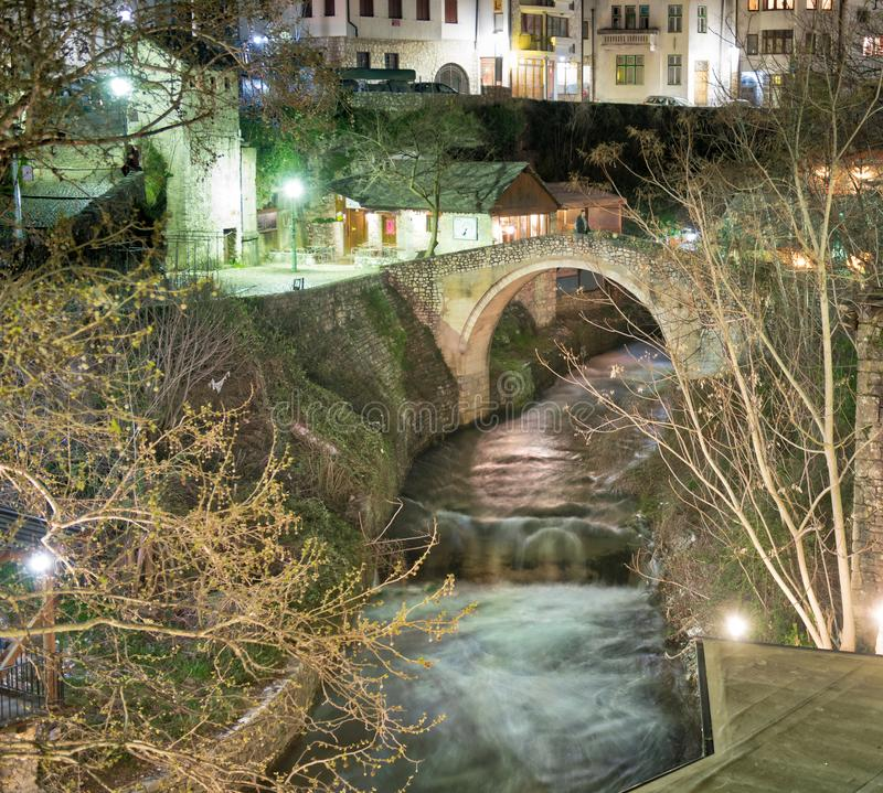 Mostar Bosnie - le pont tordu photo libre de droits
