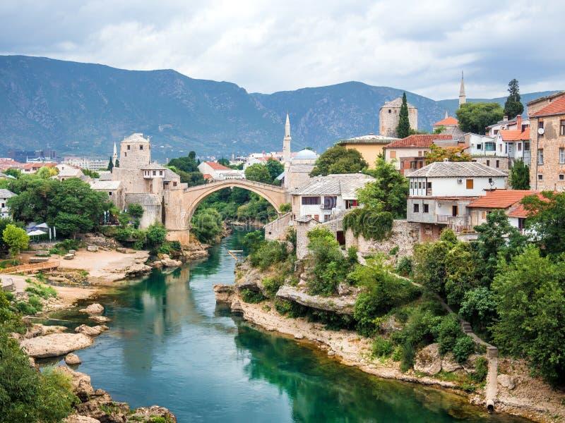 Mostar bro i Bosnien och Hercegovina fotografering för bildbyråer