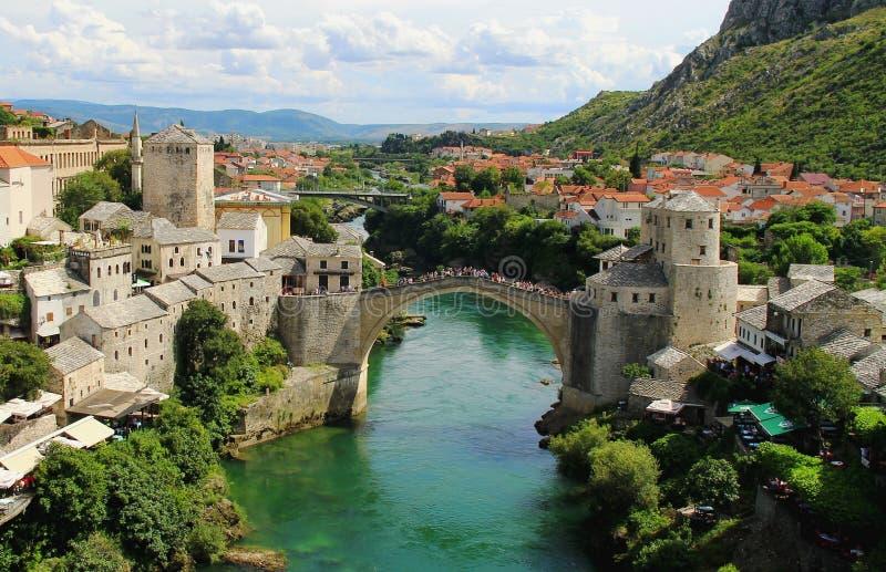 Mostar, die alte Brücke lizenzfreie stockbilder