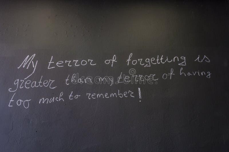 Mostar, Museum van Oorlog en Volkerenmoordslachtoffers 1992-1995, Bosnische Oorlog, oorlogsmisdaden, volkerenmoord, misdaden tege stock foto's