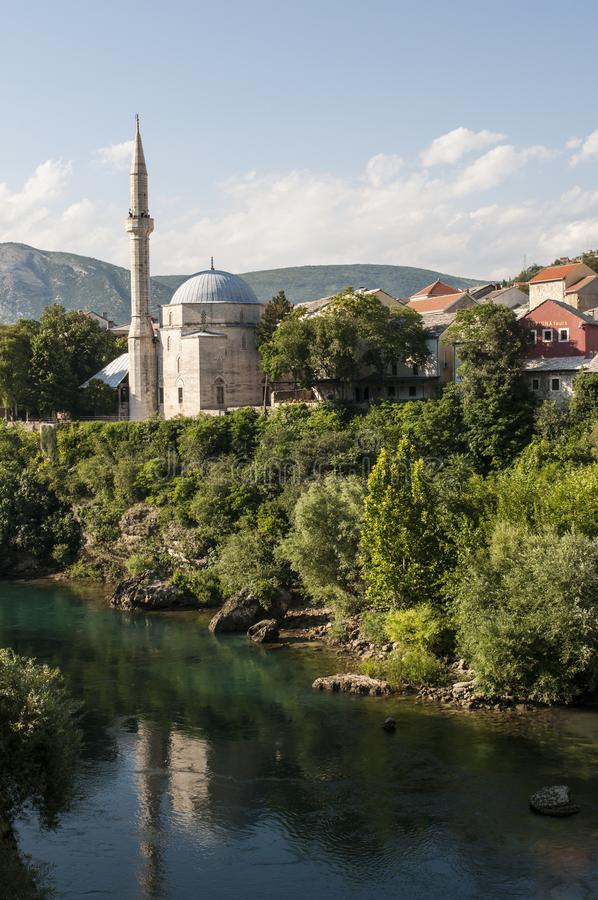 Mostar, Neretva, Skyline, Koski Mehmed Pasha Mosque, Minarett, Bosnien und Herzegowina, Europa, Islam, Religion, Ort der Verehrun lizenzfreie stockbilder