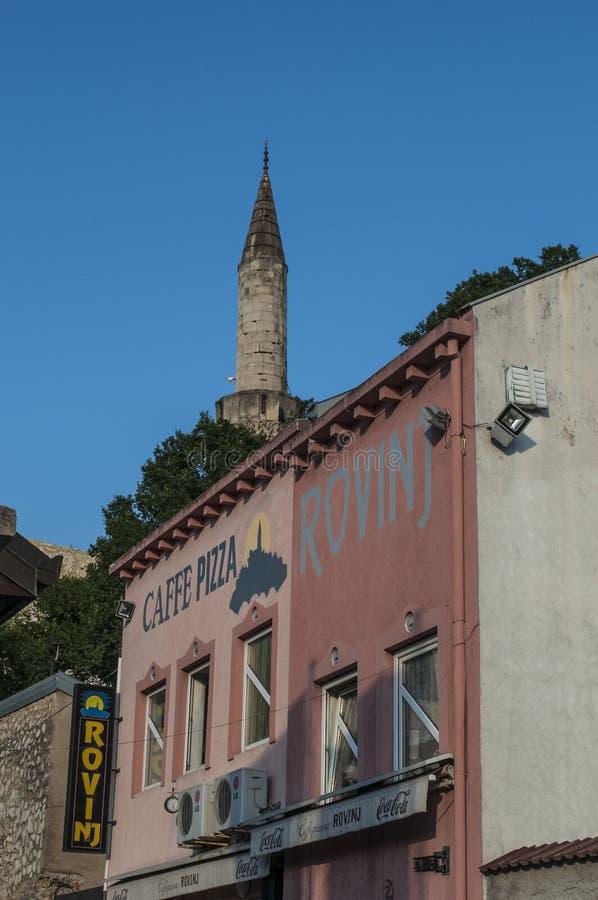 Mostar, Skyline, Moschee, Minarett, Bosnien und Herzegowina, Europa, Islam, Religion, Ort der Verehrung lizenzfreie stockfotografie