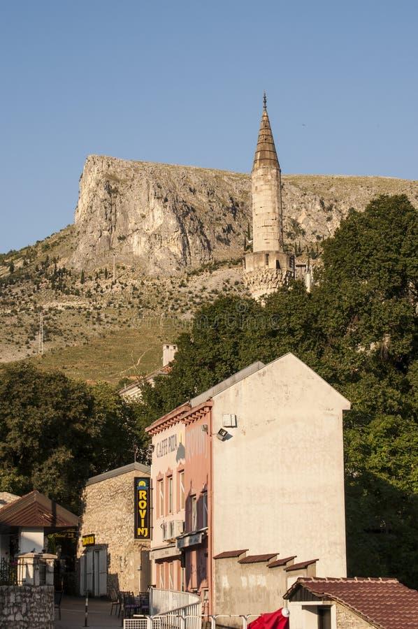 Mostar, Skyline, Moschee, Minarett, Bosnien und Herzegowina, Europa, Islam, Religion, Ort der Verehrung lizenzfreie stockfotos