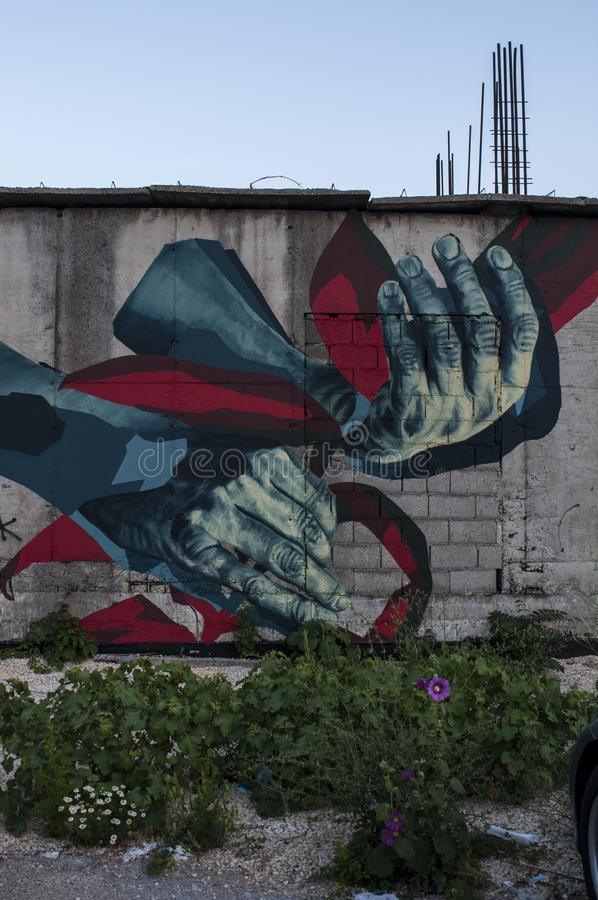 Mostar, Staklena Banka, banco de cristal viejo, pintada, mural, Bosnia y Herzegovina, Europa, arte de la calle, horizonte, guerra imágenes de archivo libres de regalías