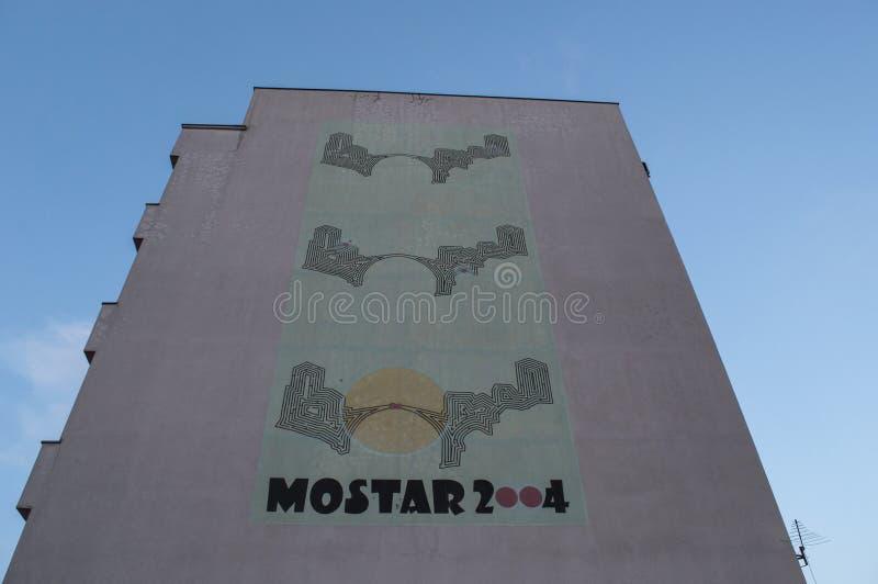 Mostar, Stari más, puente viejo, cartel, pintada, mural, Bosnia y Herzegovina, Europa, arte de la calle, horizonte, guerra bosnio imagen de archivo libre de regalías