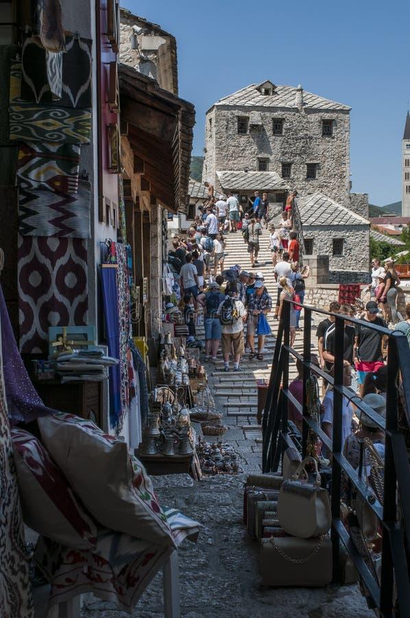 Mostar, Stari mais, ponte, Bósnia e Herzegovina velhas, Europa, cidade velha, rua, arquitetura, andando, skyline, bazar fotos de stock