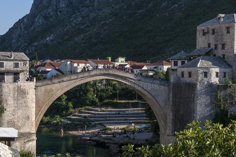 Mostar, Stari mais, ponte, skyline, símbolo, império otomano, Bósnia e Herzegovina velhos, Europa, guerra, reconstrução fotos de stock royalty free