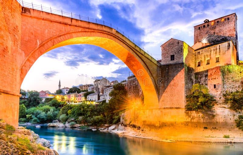 Mostar Stari mest bro i Bosnien och Hercegovina royaltyfria foton