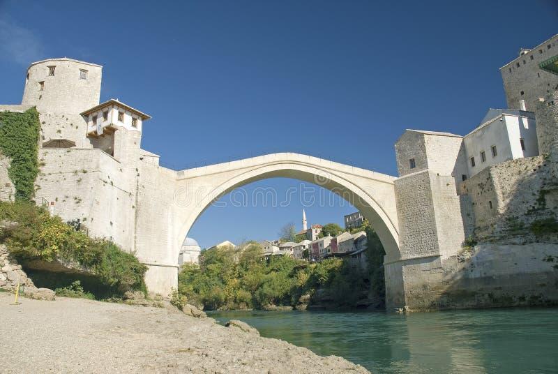Mostarbrug in bosnia royalty-vrije stock afbeeldingen