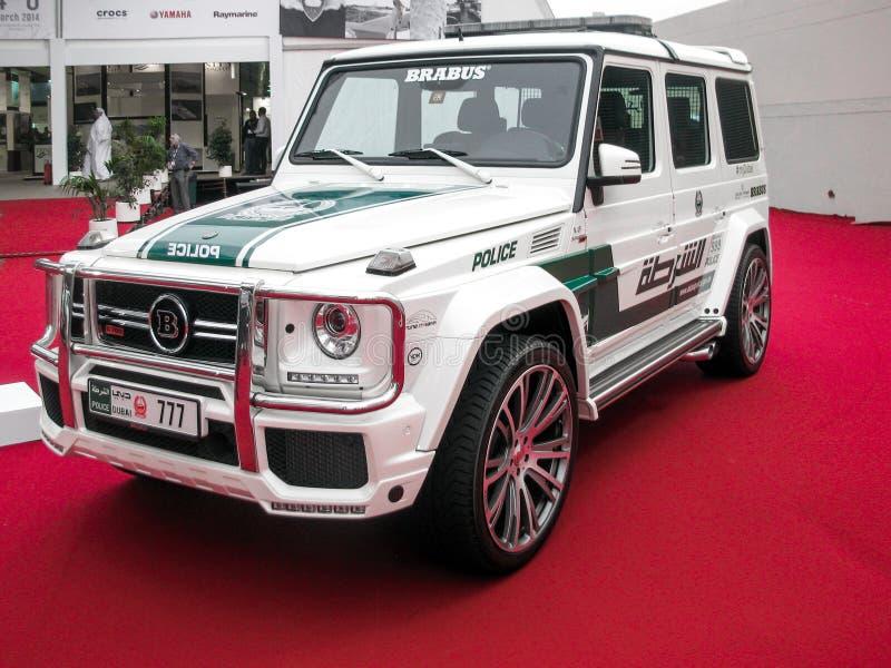 Mostra da pol?cia de Dubai que encaixota o carro de pol?cia novo da classe AMG de Mercedes Benz G fotos de stock