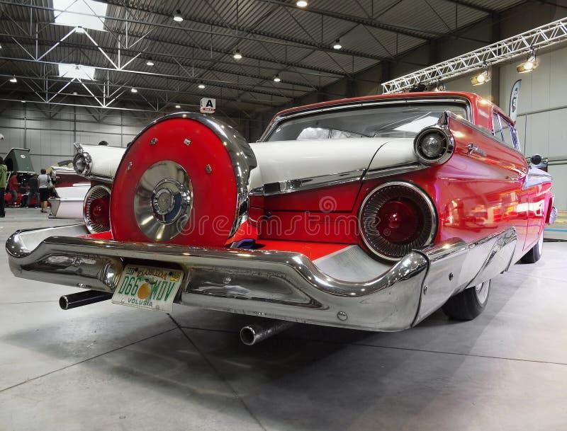 Mostra de carros luxuosa