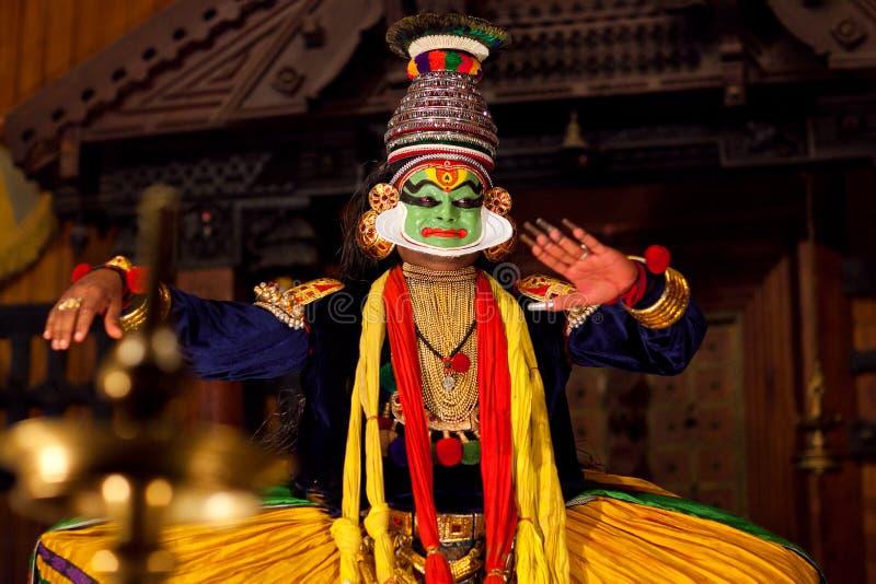 Mostra de Kathakali em Kerala, Índia imagens de stock royalty free