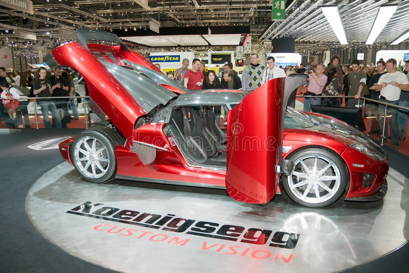 Mostra de motor 2009 de Genebra - visão do costume de Koenigsegg fotografia de stock royalty free