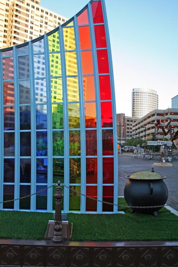 Mostra di arte dell'arcobaleno e della posta di oro fotografie stock