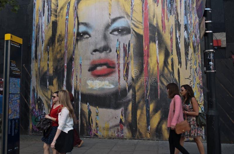 Mostra di arte della Street del sig. Brainwash immagine stock libera da diritti