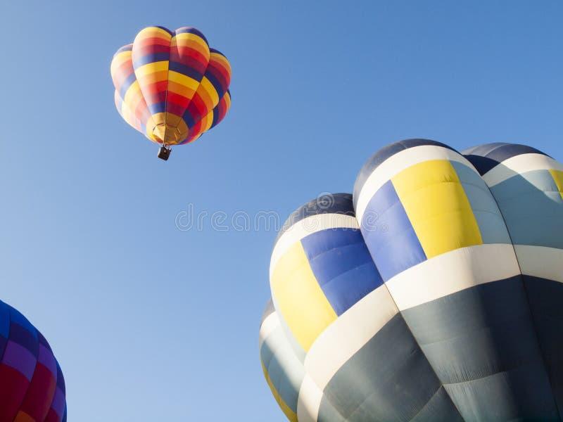 Download Mostra do balão foto de stock. Imagem de azul, molas - 26503326
