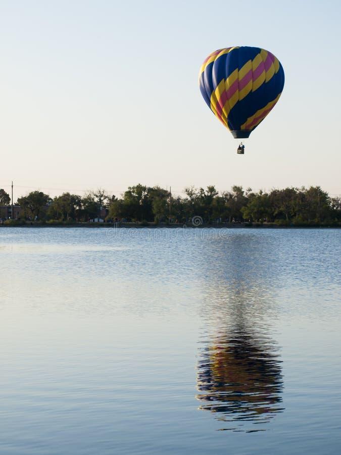 Download Mostra do balão foto de stock. Imagem de anual, verão - 26503858