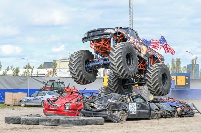 Mostra do monster truck imagem de stock royalty free