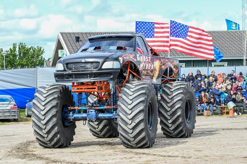 Mostra do monster truck imagens de stock royalty free