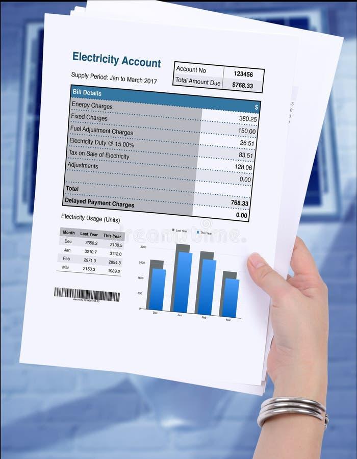 Mostra do uso da eletricidade na conta de contabilidade imagem de stock royalty free