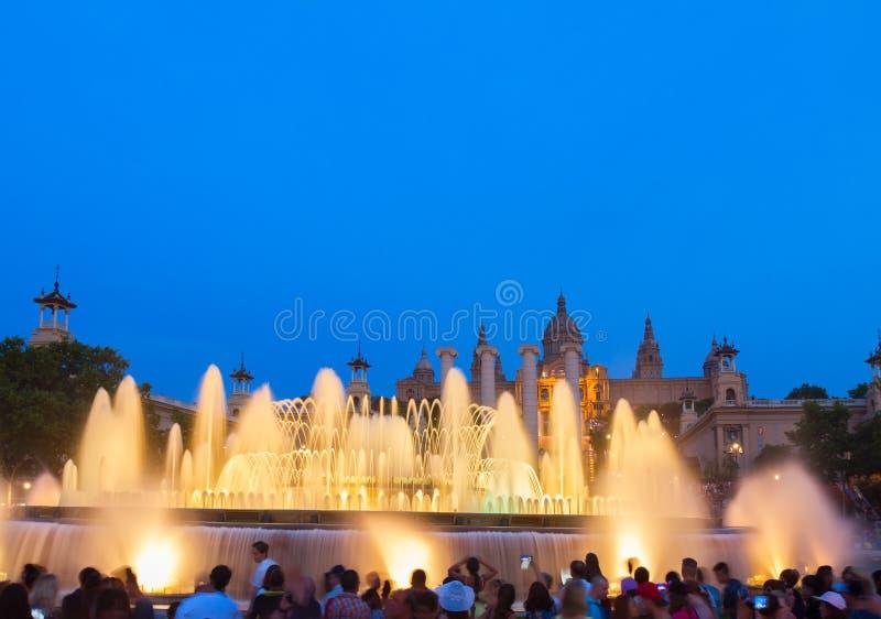 Mostra mágica da luz da fonte, Barcelona fotografia de stock royalty free