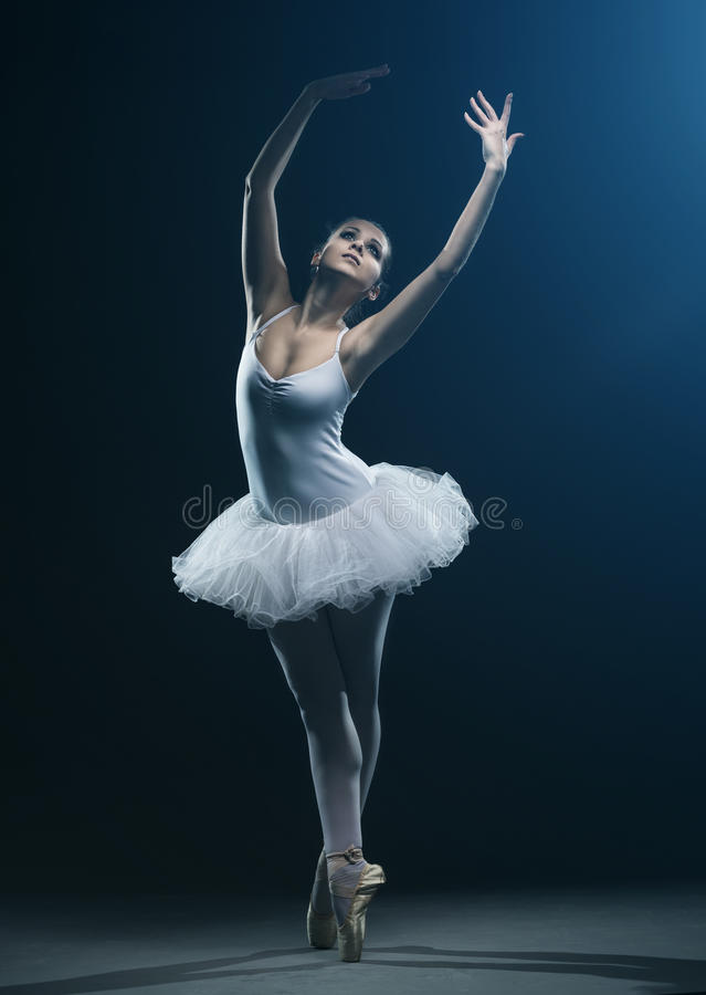 Mostras do dançarino e da fase de bailado imagem de stock