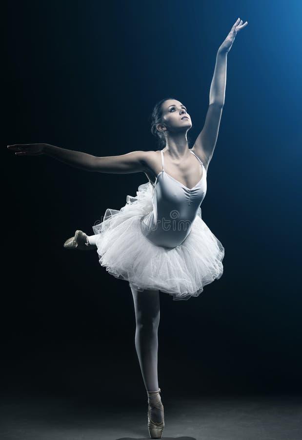 Mostras do dançarino e da fase de bailado imagem de stock royalty free