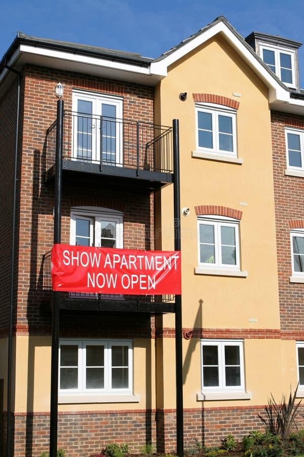 Mostre o apartamento agora aberto imagens de stock