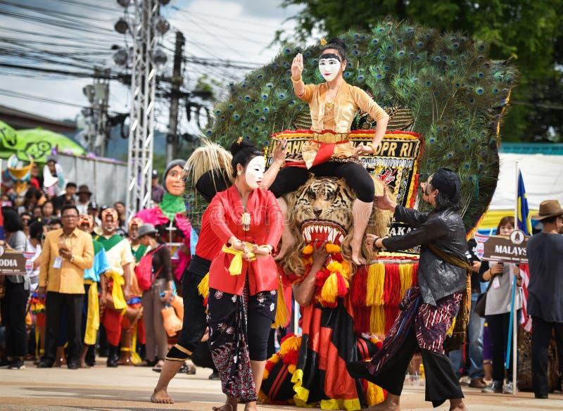 Mostri il ballo dall'Indonesia fotografia stock