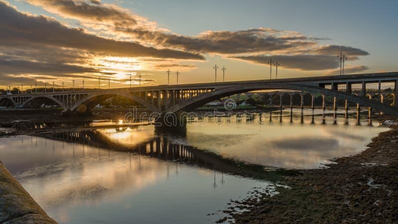 Mosty nad Rzecznym tweedem w tweedzie, Anglia, UK fotografia stock