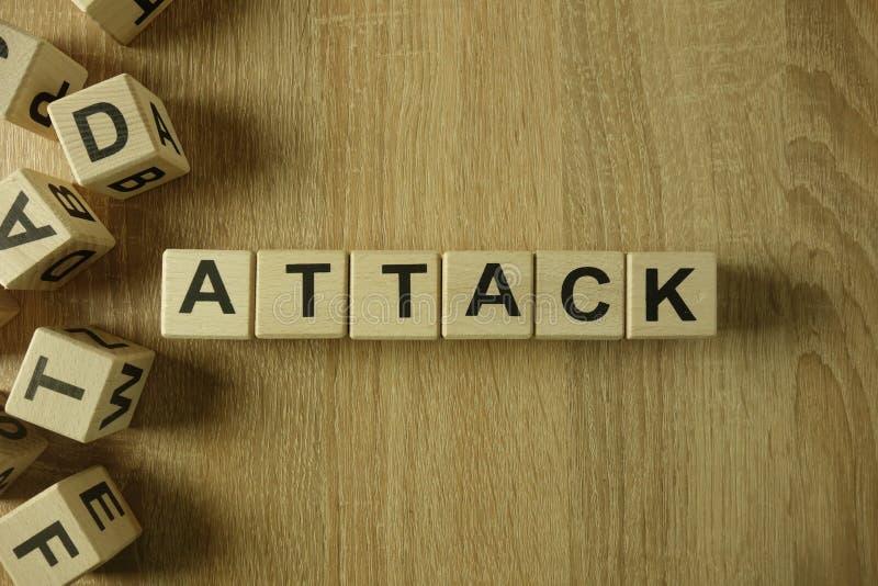 Mot d'attaque des blocs en bois photographie stock libre de droits