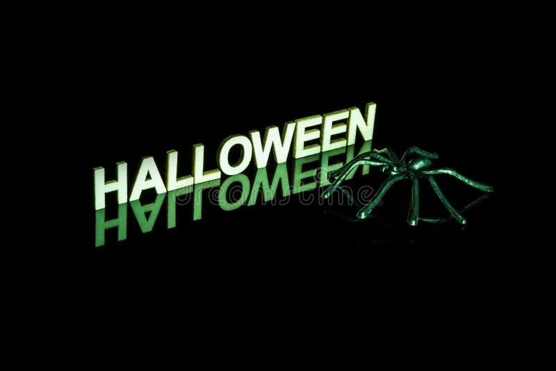 Download Mot Et Araignée De Halloween Avec La Réflexion Sur Le Noir Image stock - Image du message, festin: 45357659