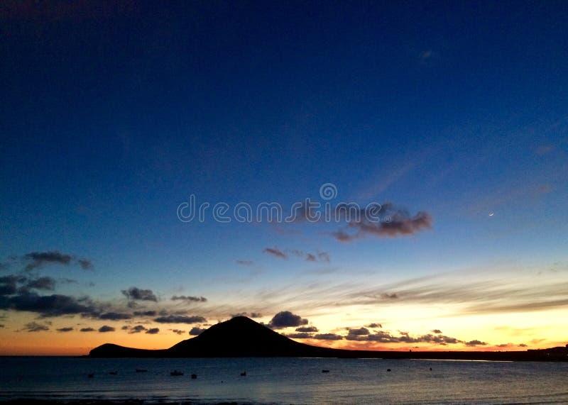Motaña Roja, Isands jaune canari, EL Médano, Ténérife, coucher du soleil image libre de droits