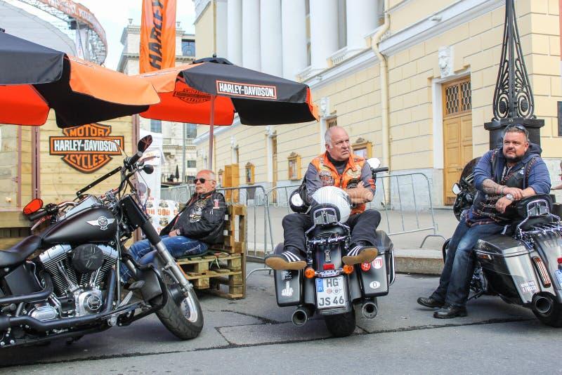 Download Motards D'Allemagne à La Moto Image stock éditorial - Image du urbain, moteur: 77156864
