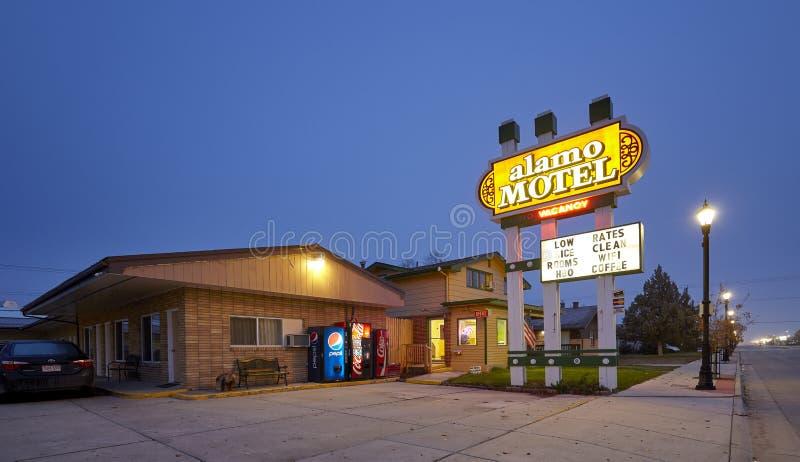 Motel de I-90 en la noche imágenes de archivo libres de regalías
