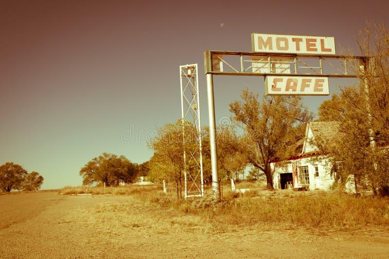 Motel e café da rota 66 dos E.U. foto de stock royalty free