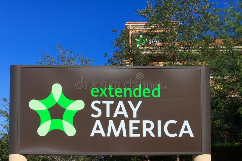 Motel prolongado de América da estada imagens de stock
