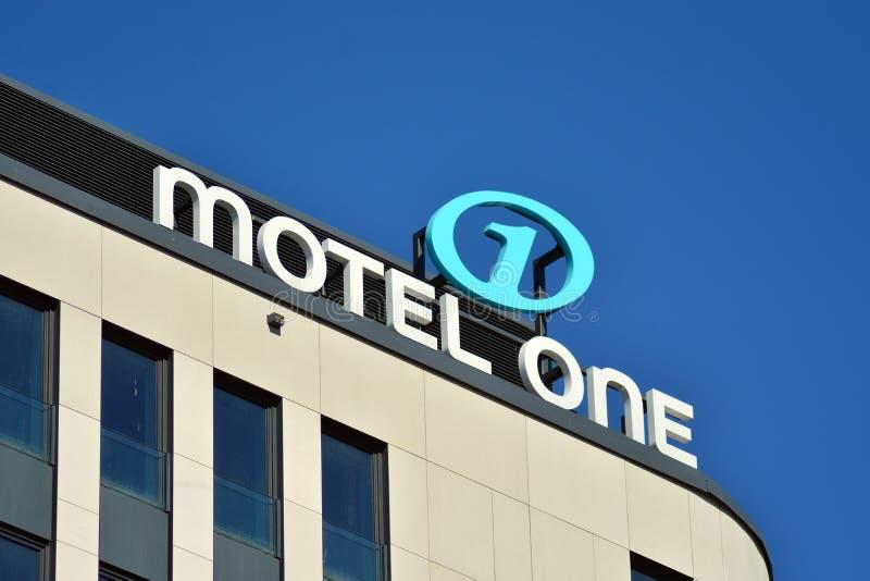 Motel uno de la muestra Motel uno del letrero de la compañía fotos de archivo