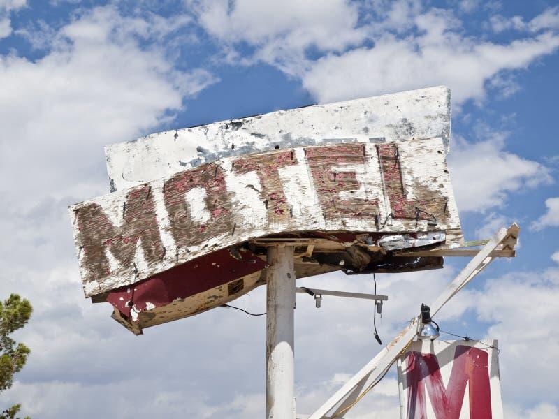 Motel-Zeichen-Ruine stockfoto